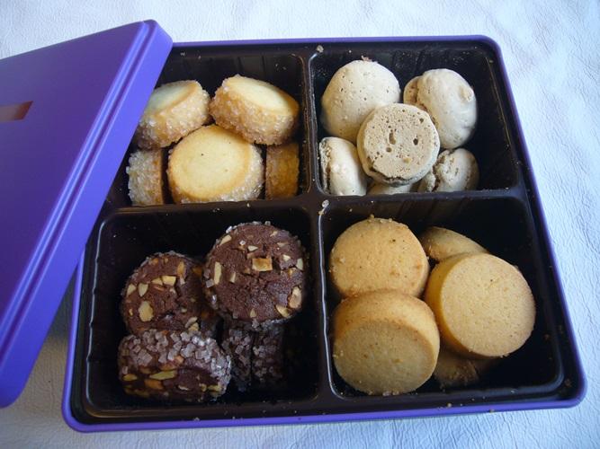 トログロワのクッキー缶