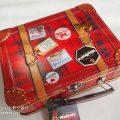 ウォーカーのスーツケース缶